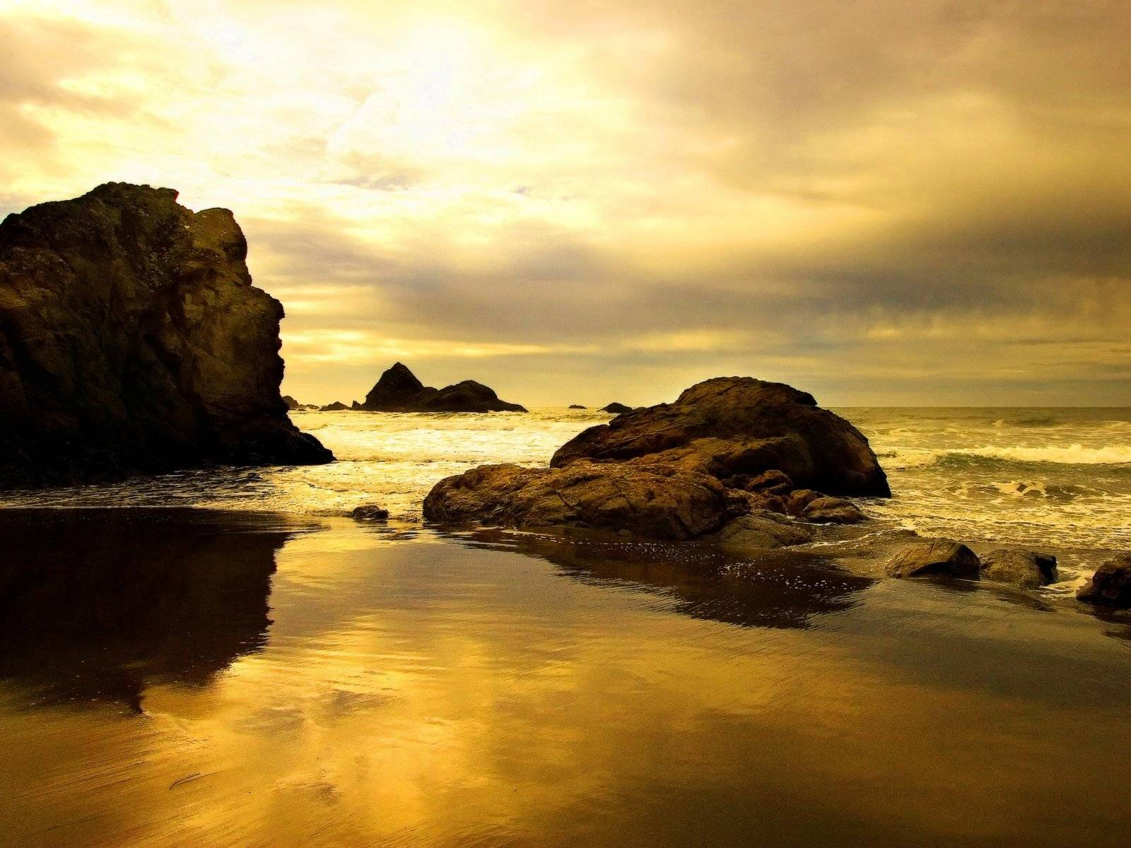 http://4.bp.blogspot.com/_2fTNSLY4qPM/TFMZ_JtWgUI/AAAAAAAAAIc/udoBnZ7ZYlY/s1600/vista-wallpaper-boulder-sunset.JPG