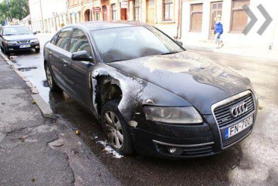 Car Struck by Lightning Lightning Struck an Audi