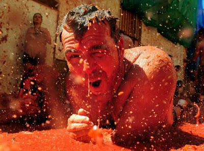 Tomato Fight In Bunol Spain Seen On www.coolpicturegallery.net
