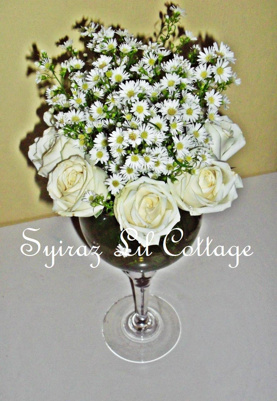 Weddings At Syiraz Lil Cottage Fresh Flowers Centerpieces