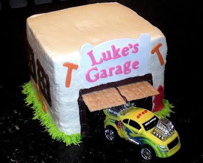 ES TREATS LUKES GARAGE