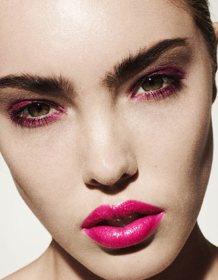 Inspiration Make Up Hot Pink Lips