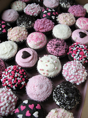 Here 39s some ace black pink and white wedding cupcakes we did for Katie