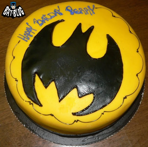 BATMAN TOYS and COLLECTIBLES: Perrys BATMAN THEME BIRTHDAY PARTY CAKE ...