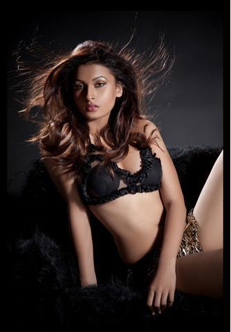 , Pavitra Punia Hot Bikini Photos