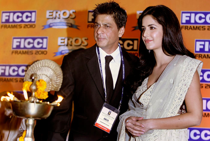 Shah rukh khan and katrina kaif hot photo 1 Katrina Kaif and Shahrukh Khan spotted together bollywood gallery