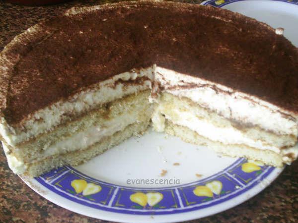 corte de la tarta tiramisu