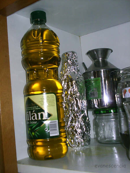 botella de aceite macerando