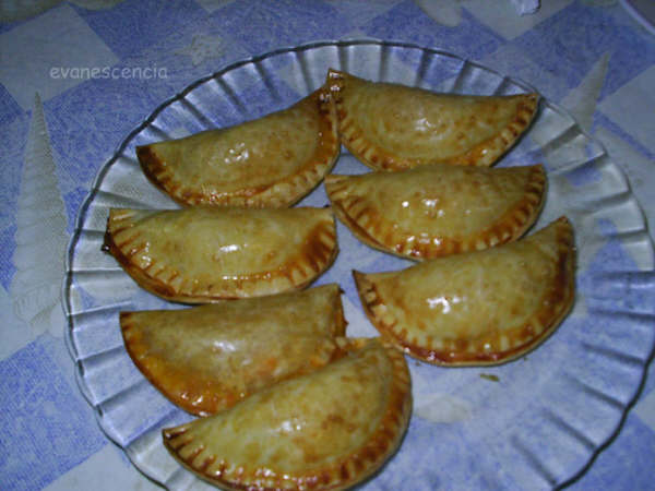 empanadillas de pollo con tomate al horno