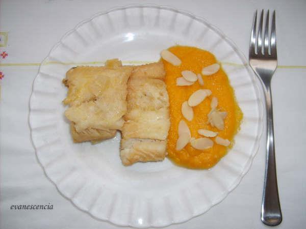 bacalao con salsa de zanahoras