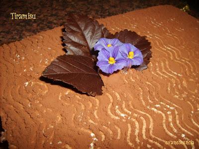 decorar con cacao en polvo