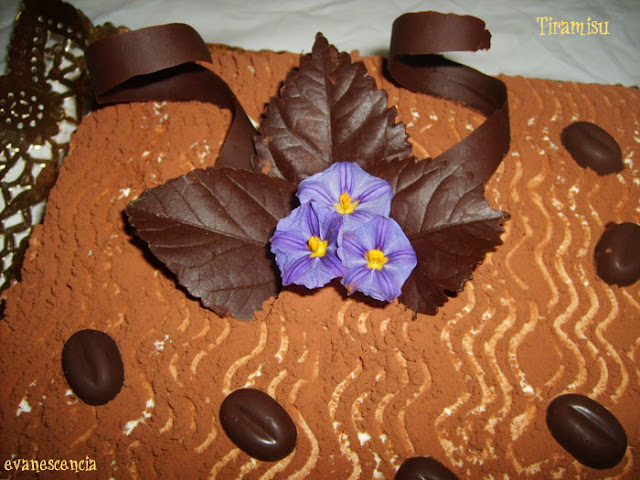 decoracion hojas de chocolate