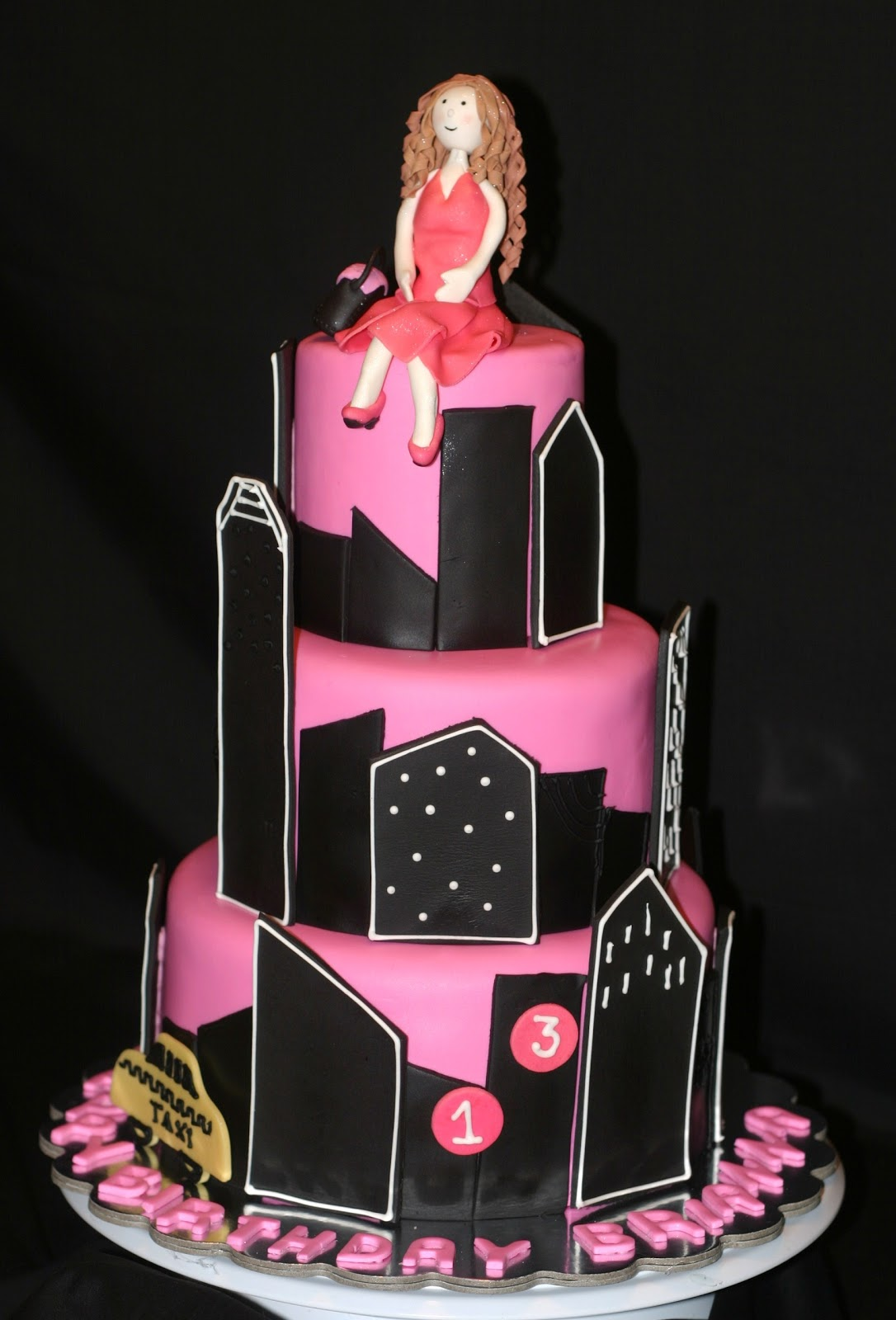 My Pink Little Cake New York Theme Birthday Cake