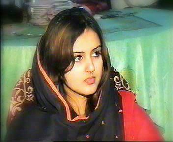 Desi Girl Love Wallpaper : watch hot desi girls pakistani hot girls indian hot sexy girls wallpapers