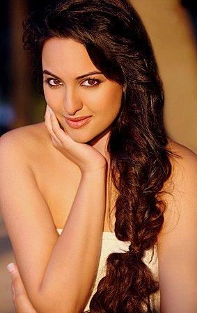 hot celebrities pics bollywood hot actresses sonakshi sinha sexy pics and hot photos and hot wallpapers