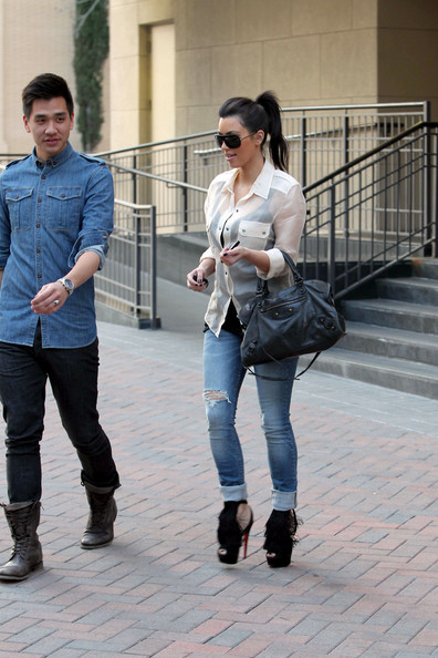 hot celebrities pics Hot Pictures of Kim Kardashian Shopping at Burberry in Sexy Louboutins high heels sexy pics