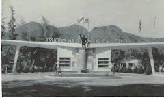 Cổng Chính Vào Quân Trường Đồng Đế
