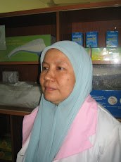 Staff at Dr Nik Omar Homeopathic Medical Centre No. 118 Jln Raja Laut, Kuala Lumpur