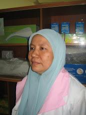 Staff at Dr Nik Omar Homeopathic Medical Centre No. 118 Jln Raja Laut, Kuala Lumpur