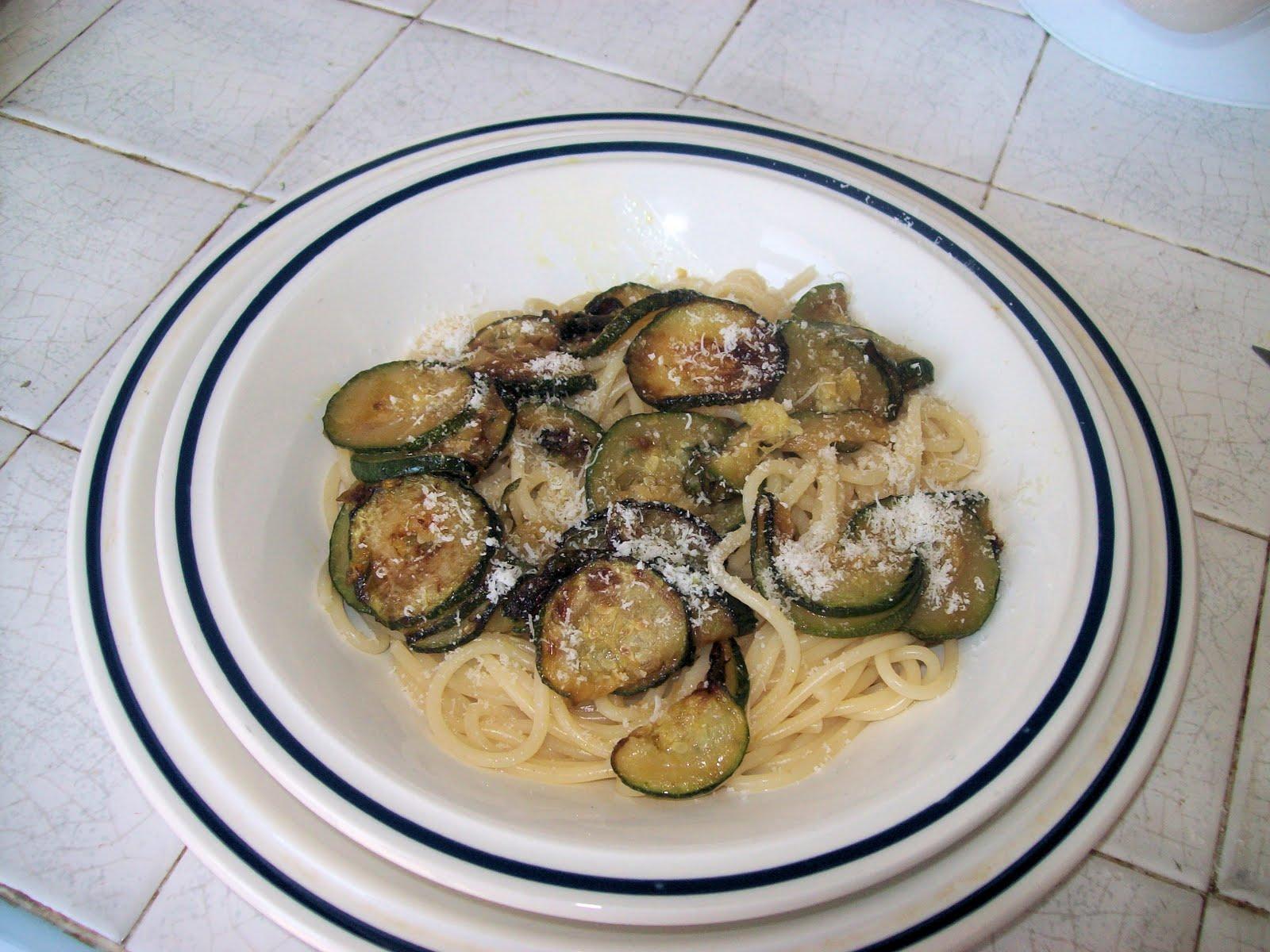 L 39 angolino di annuccella pasta ca 39 cucuzza spaghetti con for La zucchina