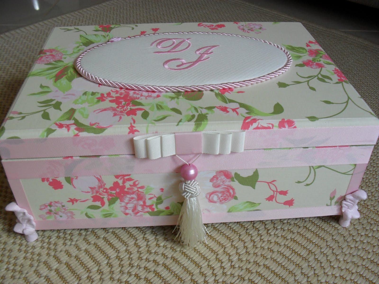 Casamento Toalete e Kit Personalizado (0028CAS/0129CAS) Djanira #694D43 1600 1200