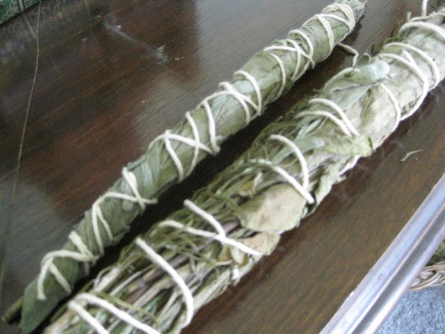 Easy DIY Projects: How To Make a Smudge Stick