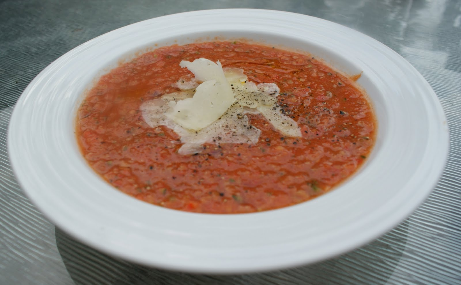 Piccante Dolce: Meatless Monday: Tomato Gazpacho with Manchengo Cheese