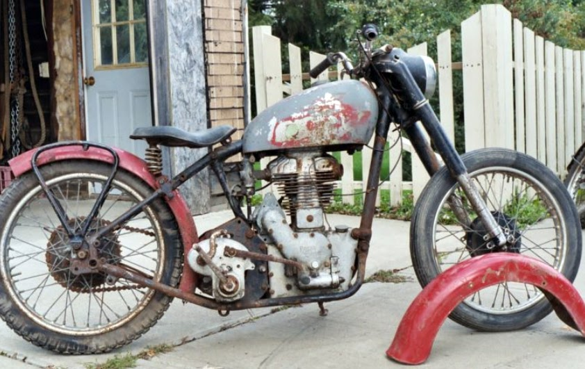 Royal Enfield Motorcycles: Is this the Royal Enfield actor ...