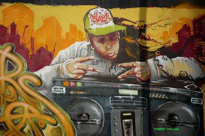 Street Art, par le Collectif  Hauts en couleur, Dépôt de bus RATP, Rue des Pyrénées, Paris, week-end des 24 et 25 avril 2010 - Photos Thierry Follain, Blog with a View : blog-with-a-view.blogspot.com -10