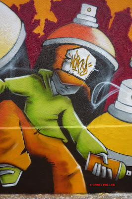 Street Art, par le Collectif  Hauts en couleur, Dépôt de bus RATP, Rue des Pyrénées, Paris, week-end des 24 et 25 avril 2010 - Photos Thierry Follain, Blog with a View : blog-with-a-view.blogspot.com -4
