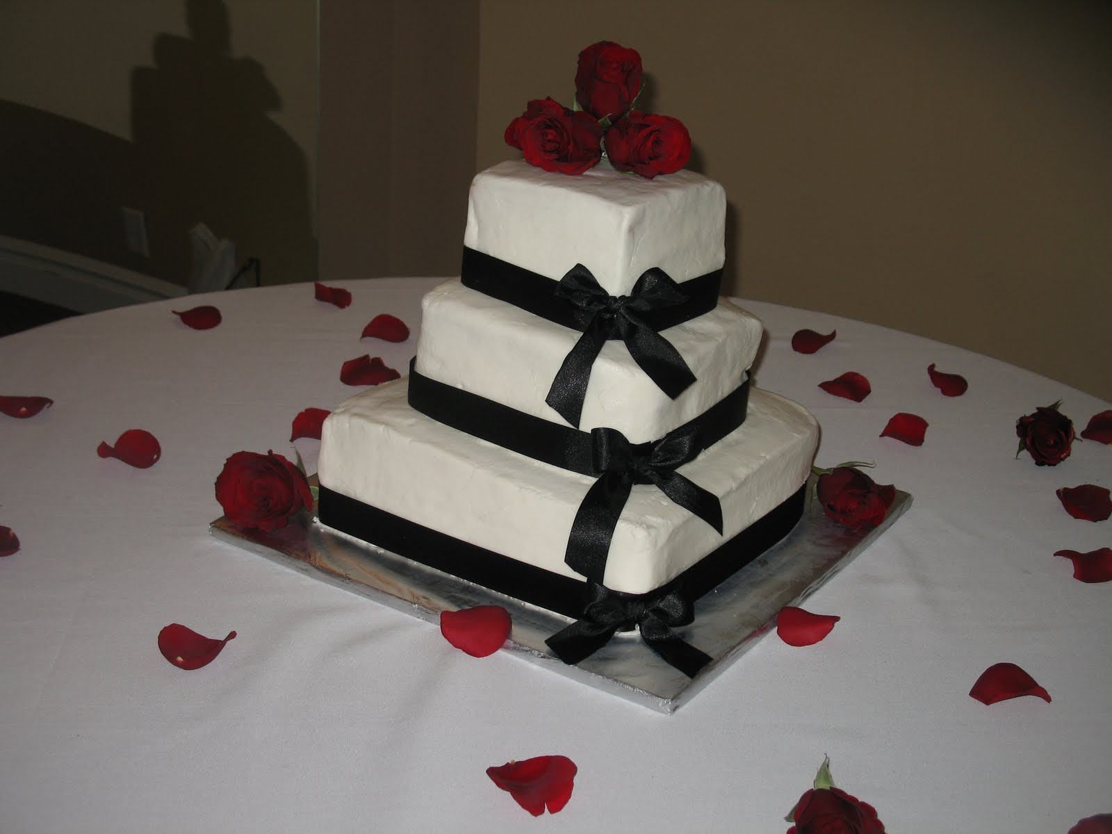 Dede s Cakes 3 Tier Square Wedding Cake