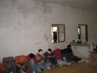 RESCATE DE SECUESTRADOS POR MILITARES EN SABINAS HIDALDO EL MARTES 27 ABRIL 2010