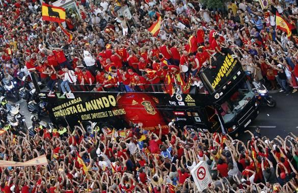 Mejores fotos espa a mundial 2010 f tbol en televisi n - Tarimas del mundo madrid ...