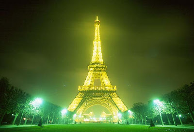 Pictures Interior Eiffel Tower on Lavish Interior Design  Wondrous Eiffel Tower At Paris Night
