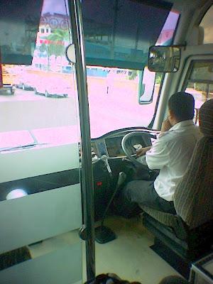 Terasa seolah-olah Aku yang memandu bas itu!