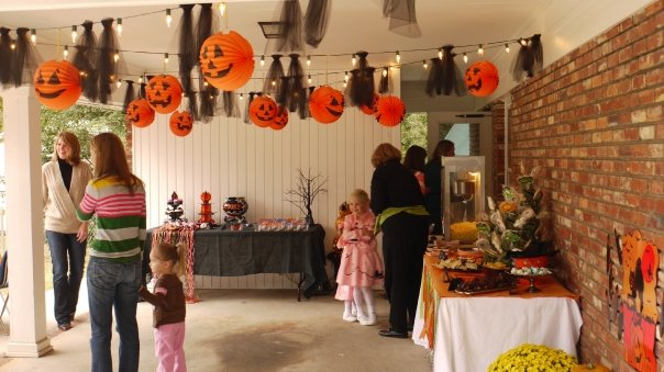 Our Southern Nest Halloween Birthday Party ~ 092656_Halloween Garage Party Decorating Ideas