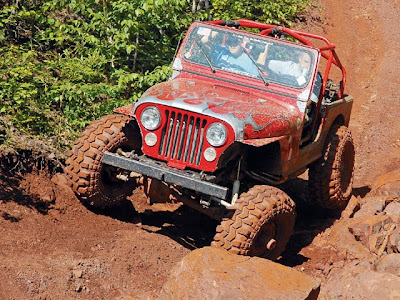 crawl: red jeep climb