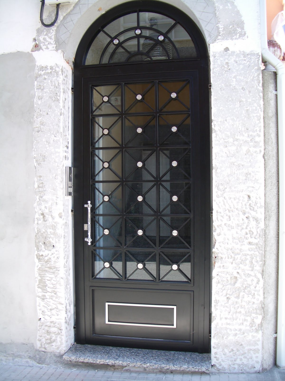 Talleres gra a s l puertas de forja a coru a for Modelos de puertas de hierro para casa