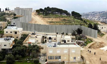 [040212_israel_wall_hlg8a_hlarge.jpg]