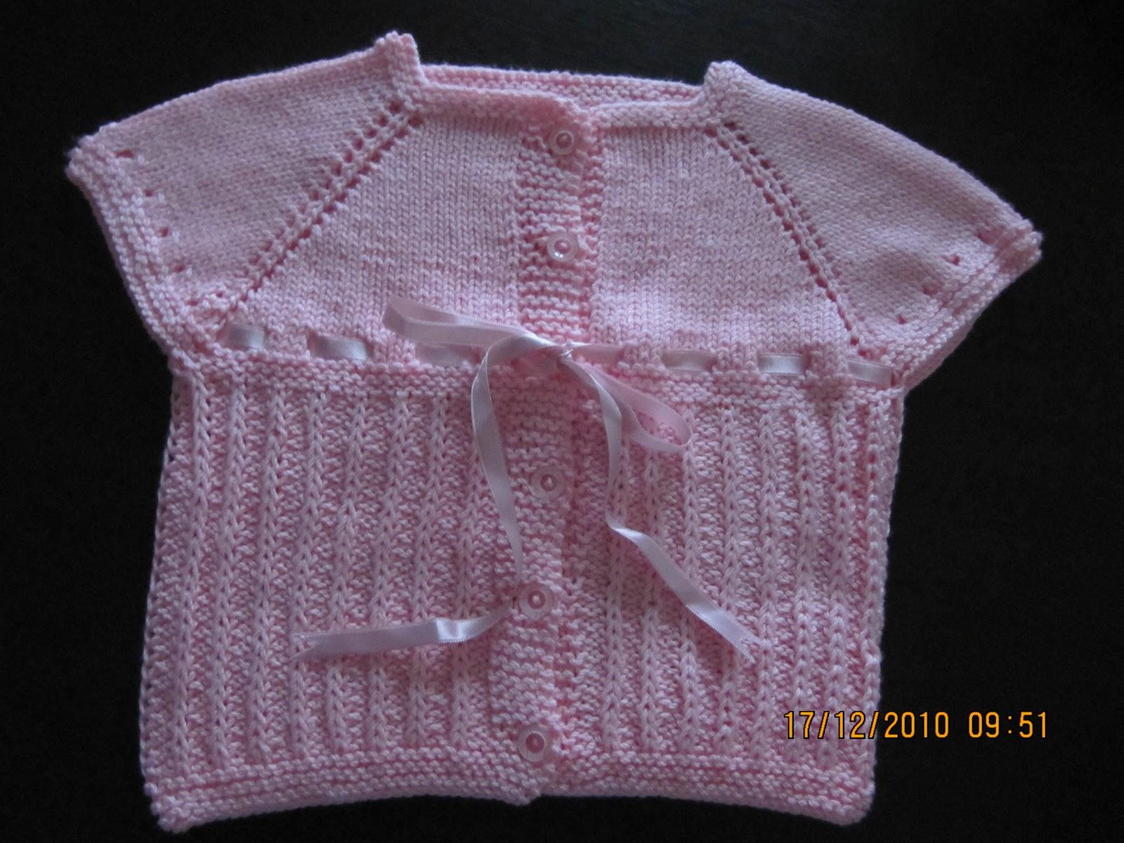 0 3 Aylık Bebek Yeleği Yakadan Başlamalı