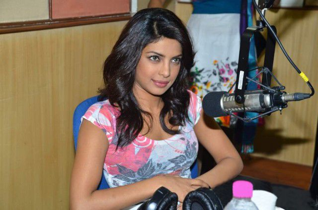 Priyanka Chopra At Radiocity  Khoon Maaf Promotioon PhotogalleryStills Photoshoot images