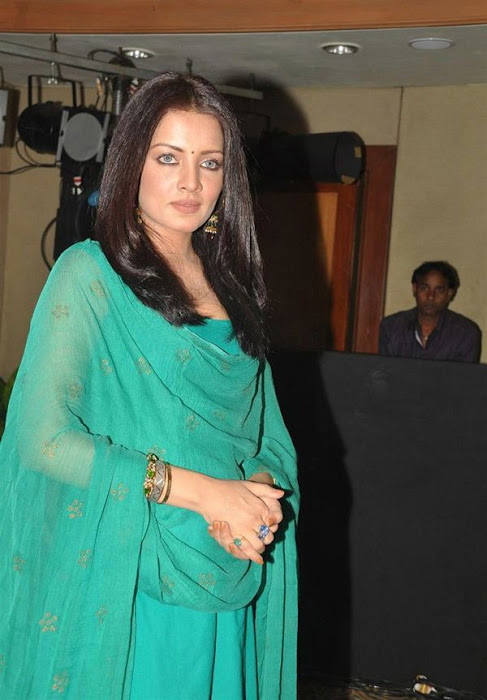celina jaitley at lets design event latest photos