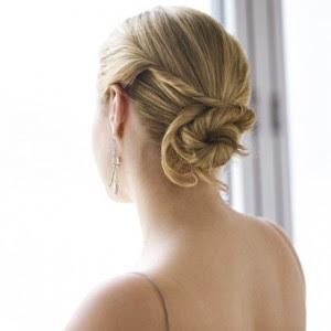 http://4.bp.blogspot.com/_30PRmkOl4ro/ScETpeWX-YI/AAAAAAAALdE/CksB2TW5vSs/s400/2008-fall-hairstyles-3.jpg