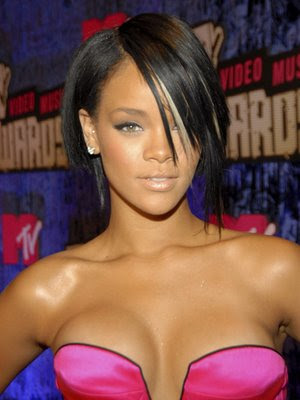 Rihanna Latest Hairstyle Trends 2009: Rihanna short asymmetrical Bob
