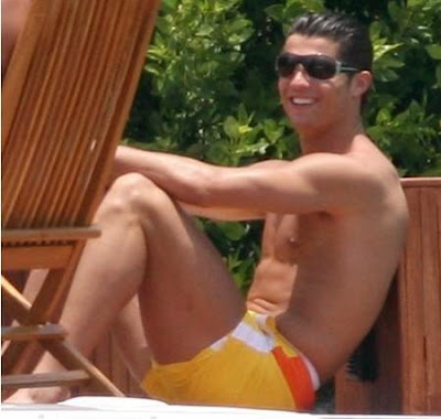 Cristiano Ronaldo New Haircuts Styles Pictures in 2009