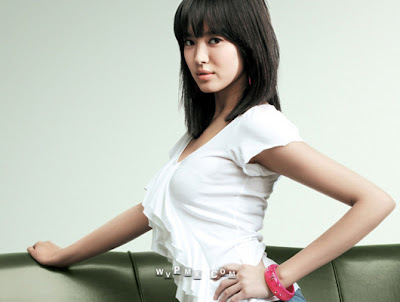 Asian Medium Length hairstyle for women Asian Medium Length Haircuts 2009