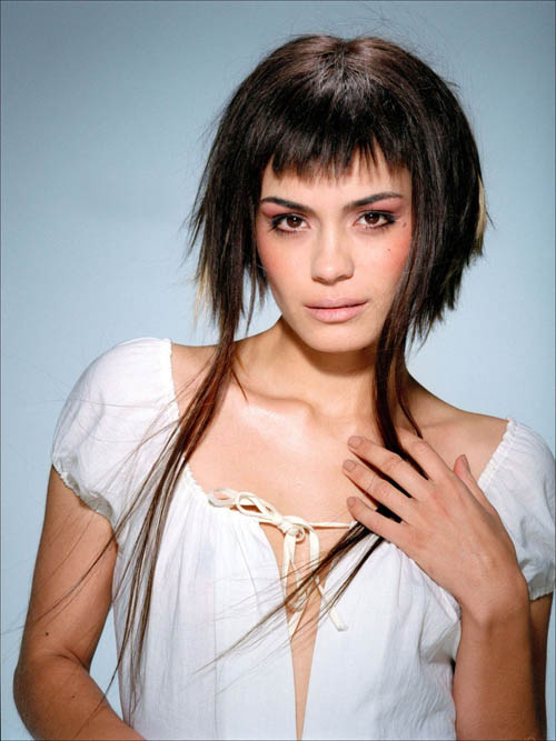 short haircuts styles 2011. Shannyn Sossamon short hair