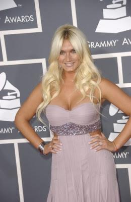 http://4.bp.blogspot.com/_30PRmkOl4ro/ShAHt_zCGII/AAAAAAAAQWs/lh7CIlrNiwM/s400/brooke-hogan-blonde-hair-330x507.jpg