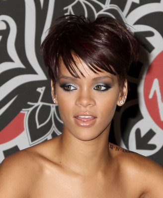 rihanna short haircuts. rihanna short hairstyles 2010.