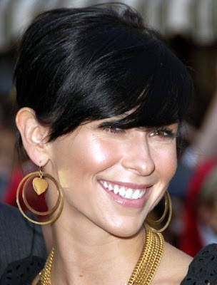 Stylish Short Haircuts 2010 for Women Pictures